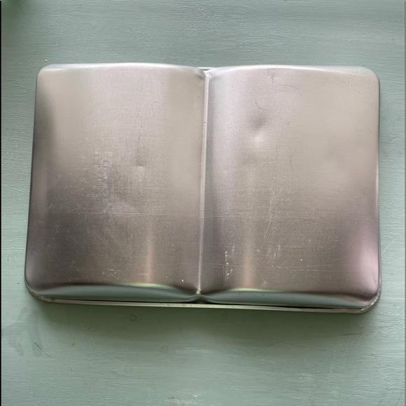3/$10 WILTON Book cake Pan